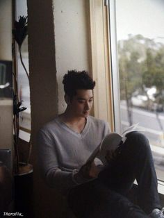 Chansung--swoon, he looks even hotter reading!
