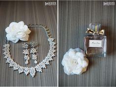 Chesapeake Bay Beach Club wedding. Bridal accessories. Photos by Love LIfe Images.
