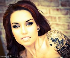 Girls With Tattoos>>