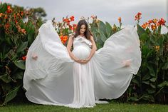 My last month of pregnancy to do list - different from what you would think Maternity Portraits, Maternity Photographer, Pregnancy Months, Pregnancy Photos, Best Mother, Best Mom, Maternity Fashion, Maternity Dresses, Packing Hospital Bag