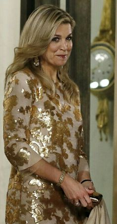 March 2016 State dinner at the Elysee Palice in Paris. Moroccan Caftan, Royal Brides, Royal Dresses, Queen Dress, Queen Maxima, Vacation Dresses, Royal Fashion, Colorful Fashion, Royal Families