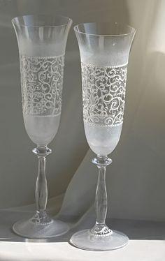 verres de mariage peintes avec leurs mains