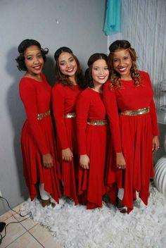 Vestido rojo micra con detalles dorados Color Guard Costumes, Praise Dance Dresses, Worship Dance, Bridesmaid Dresses, Wedding Dresses, Ballet Dancers, Dance Outfits, Dance Costumes, Dance Wear