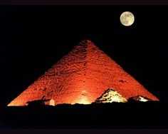 Pyramids and Full Moon ♥~  www.vantage-travels.com