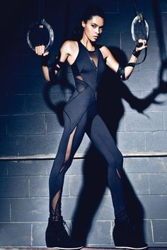 Black mesh panelled leggings are everywhere right now, and this concept from MICHI takes them to the next level. An interesting concept mixing athletic wear with lingerie Sporty Outfits, Sporty Style, Sport Fashion, Fitness Fashion, Fitness Wear, Athleisure, Rock Dress, Looks Academia, Estilo Fitness