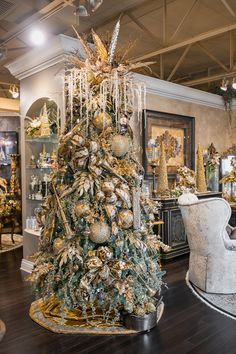 Luxury Christmas Tree Decorating Luxury Gold Christmas Tree Decoration and Toppers – Luxury Christmas Decor by Linly Designs