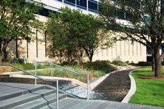 亨特总部大楼入口踏步扶手