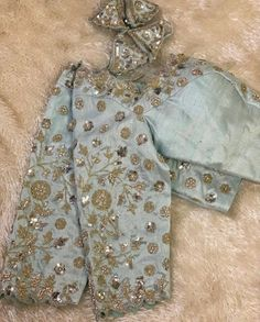 Silk Saree Blouse Designs, Fancy Blouse Designs, Zardosi Work Blouse, Beautiful Blouses, Casual Outfits, Silver, Maggam Works, Embroidery Designs, Tassels