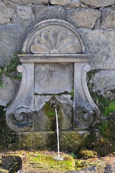 Fountain, Beynac-et-Cazenac Aquitaine, Beaux Villages, French Countryside, French Country House, Spanish Style, Water Features, Wonders Of The World, Fountain, Garden Ideas