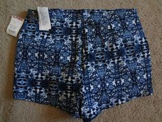 Abercrombie & Fitch Women's Large Blue Print Shorts NWT Made In China…