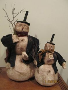 Pair Primitive Folk Art Snowman Snowmen Stacked Snow Ball Snowball Christmas #NaivePrimitive