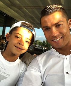 Pin image 30 Times Cristiano Ronaldo and His Son, Cristiano Jr., Were Total Twins. Cristiano Ronaldo 7, Ronaldo Cr7, Ronaldo Football, Premier League, Cr7 Jr, Cr7 Junior, Ronaldo Real Madrid, Foto Real, Football Players