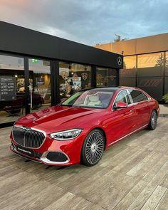 Mercedes Benz Maybach, Mercedes Car, Gottlieb Daimler, Digital Light, Combustion Engine, Best Luxury Cars, S Class, Motor Company, Car Wallpapers