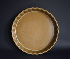 Temuka Pottery Riverstone Quiche Dish - Vintage Eathernware Stoneware Pottery Flan Baker - Made in New Zealand Quiche Dish, Wild Oats, Condiment Sets, Floral Banners, Nesting Bowls, Cereal Bowls, Flan, Pie Dish, New Zealand