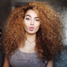 •Natural curly hair•