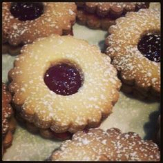 Jammy Dodgers for a Doctor Who party!!!
