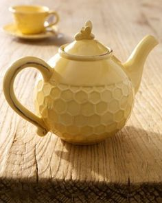 Honey Bee Tea Pot And Cup Cant Decide If This Should Be In Home