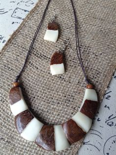 Necklace and earring set made of Tagua nut. Eco friendly jewelry, fair trade and sustainable.