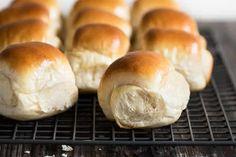 Pain au lait moelleux au thermomix, recette facile pour votre délicieux pain du petit déjeuner ou goûter. Faites ce délicieux pain avec cette recette rapide avec le thermomix du vorwerk.