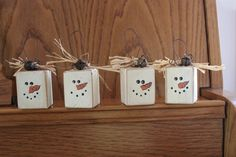 Wooden Christmas Decorations, Christmas Ornament Crafts, Snowman Crafts, Christmas Signs, Diy Christmas Gifts, Rustic Christmas, Christmas Projects, Handmade Christmas, Holiday Crafts