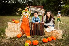 Outdoor Fall Mini Mommy and Me Pumpkin Photo Session