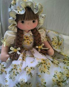 Pretty Dolls, Beautiful Dolls, My Child Doll, Cute Lamb, Crochet Teddy Bear Pattern, Crochet Sunflower, Crochet Monsters, Bee On Flower, Skirt Patterns Sewing