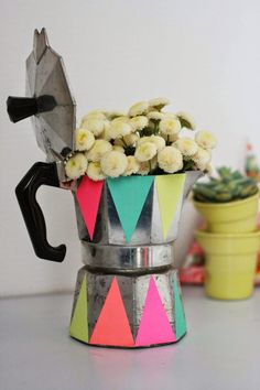 cafetera decorada con vinilo