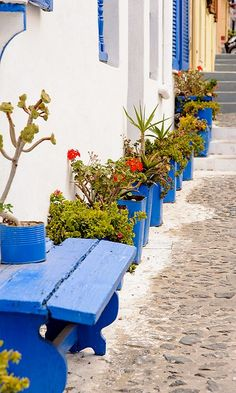 A very common shade to see on Santorini Island, Greece Santorini Island, Santorini Greece, Mykonos, Places Around The World, Around The Worlds, Wonderful Places, Beautiful Places, Places To Travel, Places To Visit