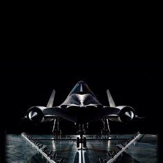 SR-71 Blackbird-ahhhmazing plane.