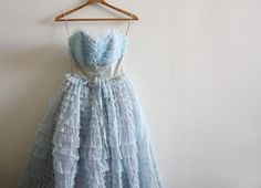 stunning 1950s party dress