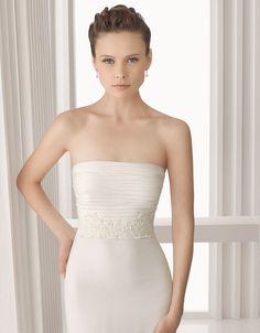 rosa clará - wedding dress - bridal - rosa clará - 2012 - amulet - silk chiffon and lace dress, in natural