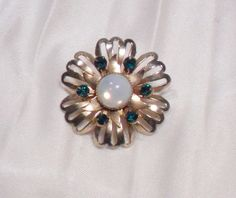 Vintage Gold Tone Flower Brooch with Emerald by grannysgarage, $7.00