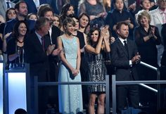 Pin for Later: Seht Taylor Swift, Nick Jonas und alle anderen Stars bei den ACM Awards Taylor Swift
