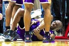 fall caer - Buscar con Google Carlos falls on the floor