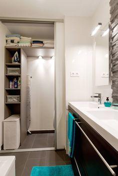 Salle de bains / buanderie /aménagement /rangement : Rangements par Am by Annie Mazuy