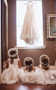 Wedding flower girl dresses - This wedding dress can match any flower girl dress You can try angrila brides weddingphotos Wedding Photography Poses, Wedding Poses, Wedding Shot, Wedding Album, Gown Wedding, Vintage Photography, Wedding Tips, Wedding Hair, Fall Wedding
