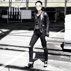 Vogavoe - Black moto People Around The World, Real People, All Black Everything, Swimsuits, Leather Jacket, Punk, Style Inspiration, Boys, Jackets