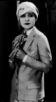 dreammason: for Erin. Norma Shearer looking fantastic!