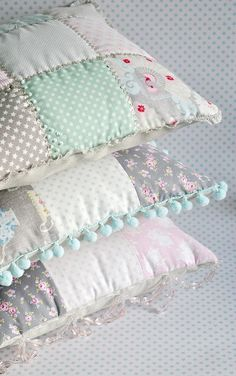 if only I could sew!!  Shabby chic pillows