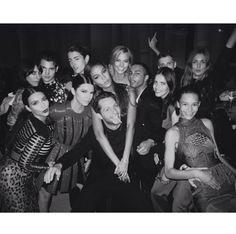 Le dîner de la Vogue Paris Foundation http://www.vogue.fr/mode/experiences-digitales/diaporama/le-top-20-des-post-instagram-de-vogue-paris/19853/image/1040534#!le-diner-de-la-vogue-paris-foundation