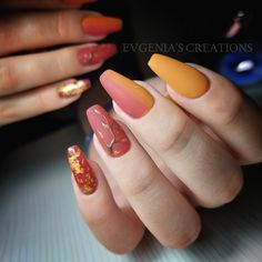 #evgenias_creations #acrylicnails #ombrenails #handpainted #leaves