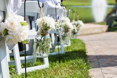 Sometimes cute and simple is best in outdoor wedding decor #bagsbyranch #wedding #decor #photography #nashvillephotographer #weddingisledecorations