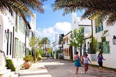 florida_living_beach_towns_033011.jpg