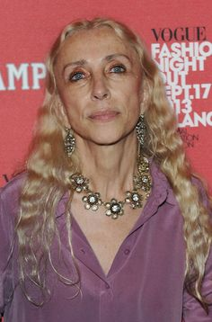 Franca Sozzani Photos - Director of Vogue Italia Franca Sozzani attends the Campari Red Passion Prize as part of Milan Vogue Fashion Night Out at Camparino on September 2013 in Milan, Italy. - Arrivals at Campari Red Passion Prize Vogue Fashion Night, 50 Fashion, Fashion Images, Women's Summer Fashion, Fashion Pictures, Fashion Design, Fashion Outfits, Fashion 2018, Fashion Clothes