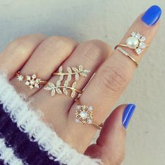 Love the rings and nails