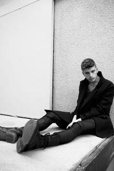 Skinny Jeans. Overcoat. Boots. B/W.