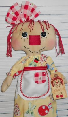 Annie Bag Holder Primitive Raggedy Ann Annie Bagholder Doll with Retro Aprons Print fabric and tag.