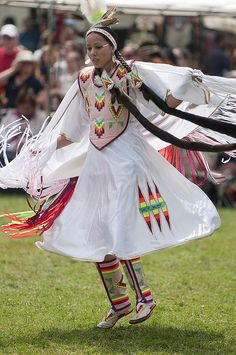 Native American Dancer Pinned by indus® in honor of the indigenous people of North America who have influenced our indigenous medicine and spirituality by virtue of their being a member of a tribe from the Western Region through the Plains including the beginning of time until tomorrow.