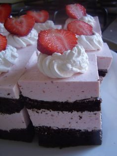 Romanian Desserts, Mousse, Caramel, Sweet Treats, Cheesecake, Deserts, Food And Drink, Sweets, Pies