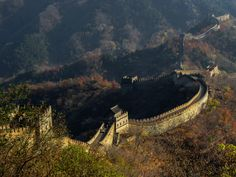 Mutianyu An Autumn Walk on the Great Wall   di Pierre Lapointe